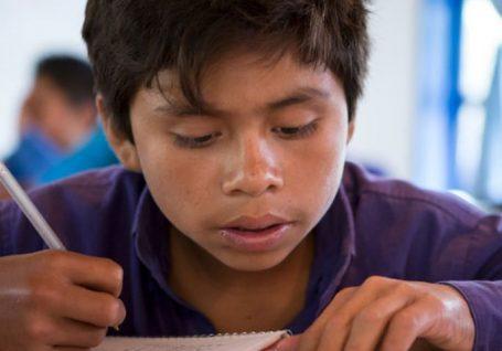 As brechas educativas condenam à pobreza